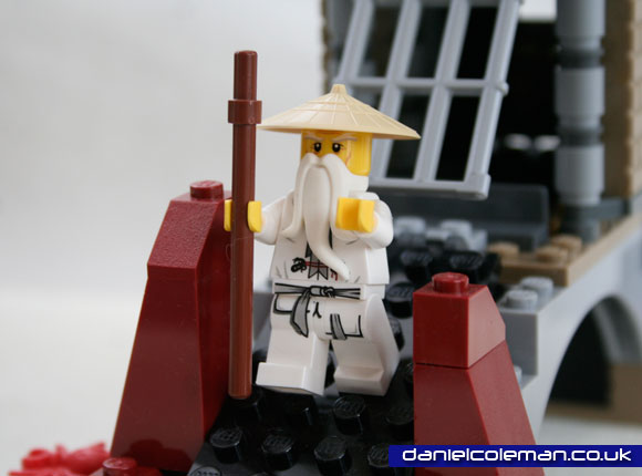 Ninjago Epic Dragon Battle | Sensei Wu (9450) - Dec 2012