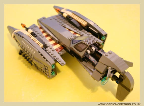 General Grevious Starfighter (8095) - Dec 2010
