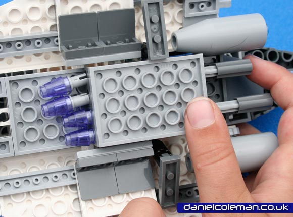 Mace Windu's Jedi Starfighter (7868) Jul 2011